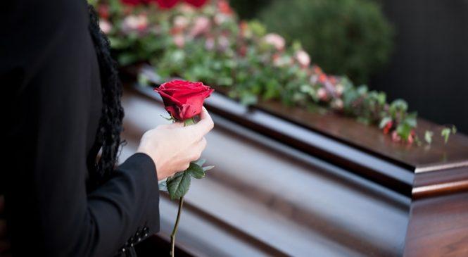 Кремация или традиционные похороны: что выбрать?